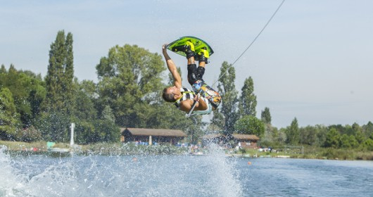 Wakeboard, waves of freedom