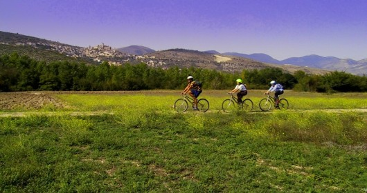 Wolftour is crowd-funding for Abruzzo's sustainable tourism