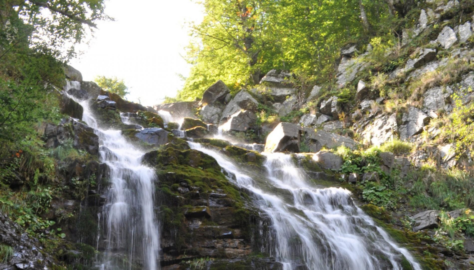 WATERFALLS: SECRET TREASURES TO DISCOVER
