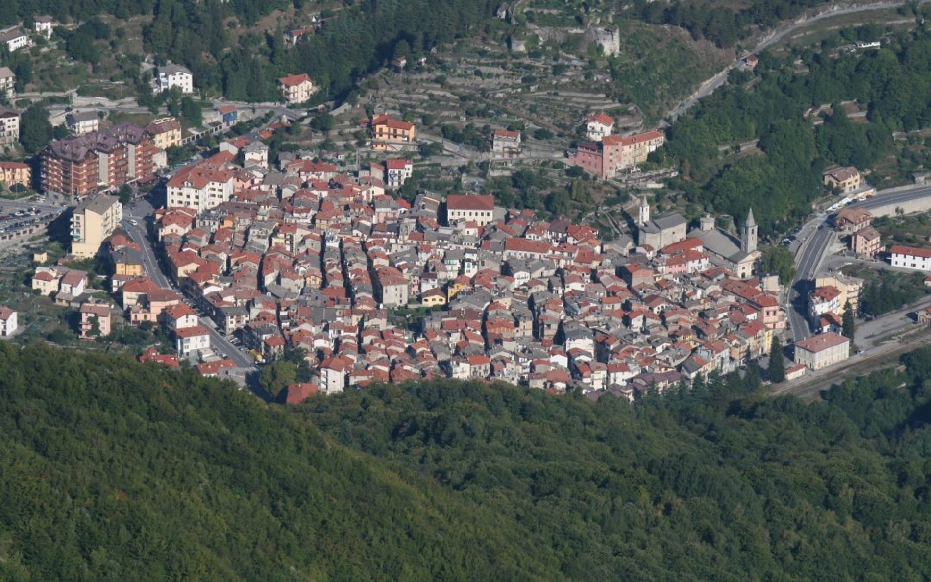 LIGURIA, A MOSAIC OF INTERESTING VILLAGES