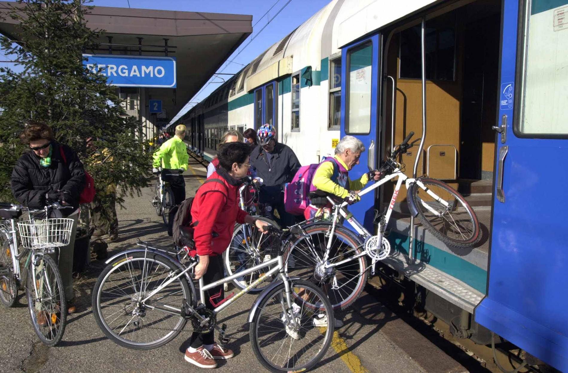 Bici + treno sempre: la volta buona?
